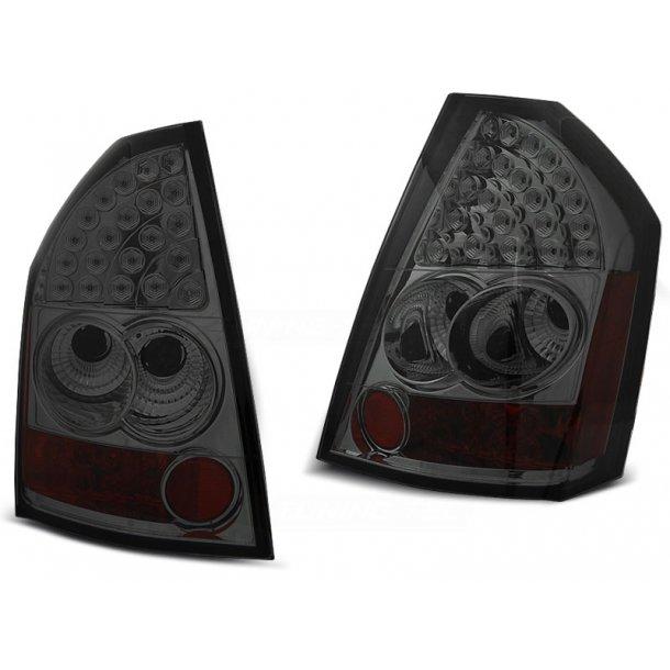 Baklykter CHRYSLER 300C/300 09-10 SMOKE LED